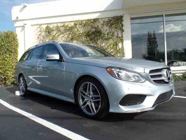 2016 Mercedes-Benz E350   946802