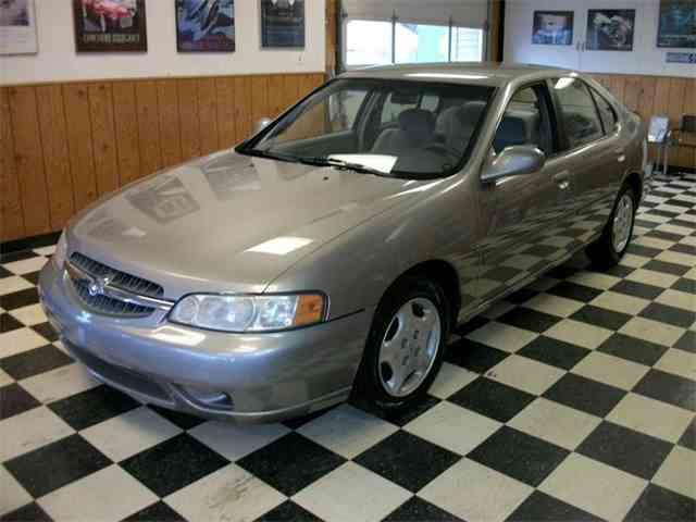 2000 Nissan Altima | 946824