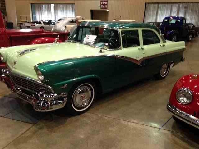1956 Ford Fairlane | 946945