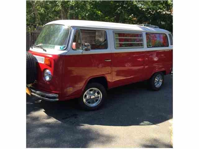 1973 Volkswagen Bus | 947310