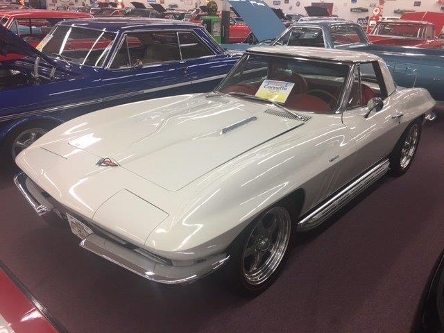 1966 Chevrolet Corvette | 947360