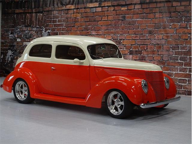 1938 Ford Sedan   947399