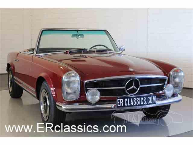 1967 Mercedes-Benz 250SL | 947563