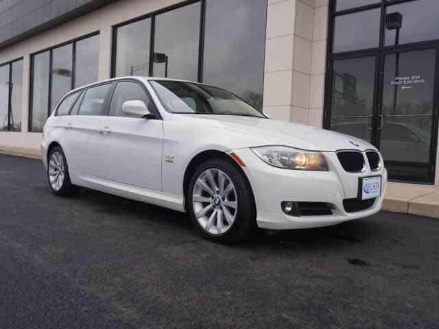 2011 BMW 3 Series | 947656