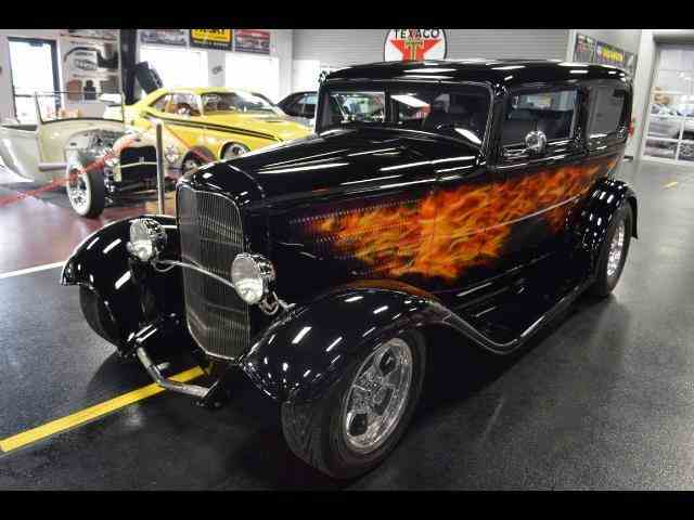 1932 Ford Tudor SedanCustom | 940766