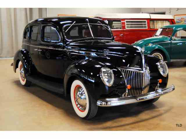 1939 Ford Deluxe | 947790