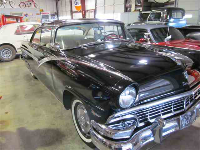 1956 Ford Victoria | 947828