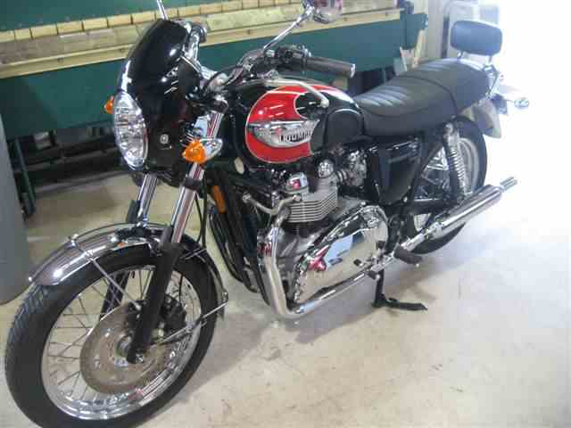 2006 Triumph Motorcycle | 947847