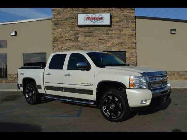 2011 Chevrolet Silverado | 940818