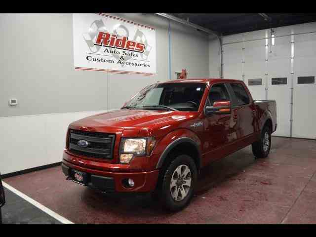 2014 Ford F150 | 940819