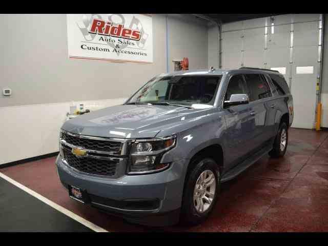 2016 Chevrolet Suburban | 940838