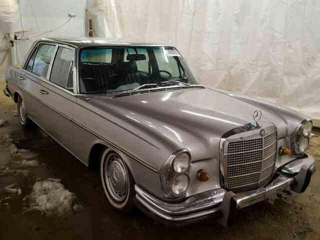 1969 Mercedes-Benz 300   948397
