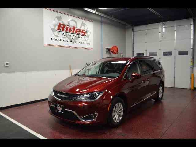 2017 Chrysler PacificaTouring-L | 940842
