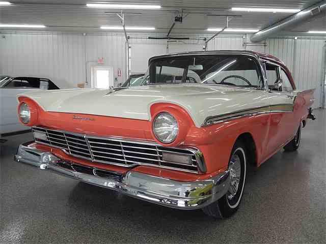 1957 Ford Fairlane | 948846