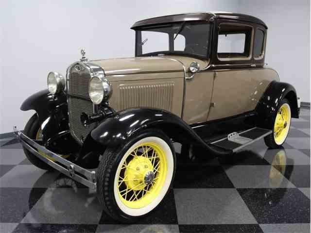 1930 Ford 2-Dr Sedan | 949134