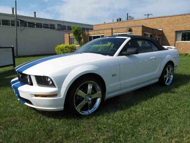2005 Ford Mustang | 949152