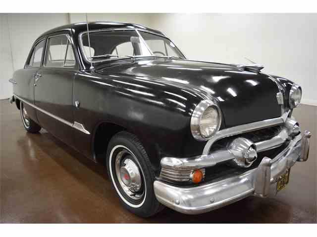 1951 Ford Tudor | 949196