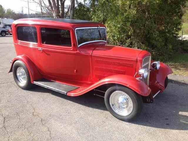 1933 Ford Custom | 940922