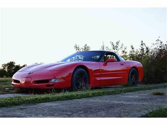 2000 Chevrolet Corvette | 949657