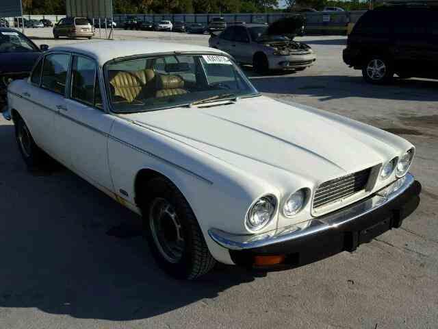1977 Jaguar XJ   949778
