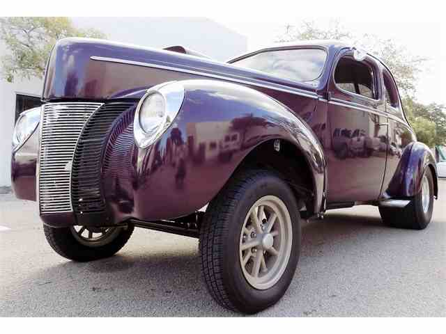 1940 Ford Deluxe   949887