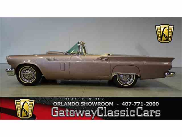 1957 Ford Thunderbird | 951036