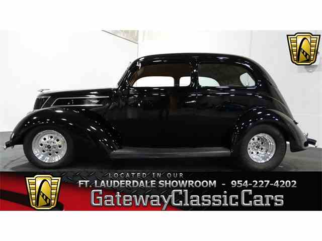 1937 Ford Slantback | 951848