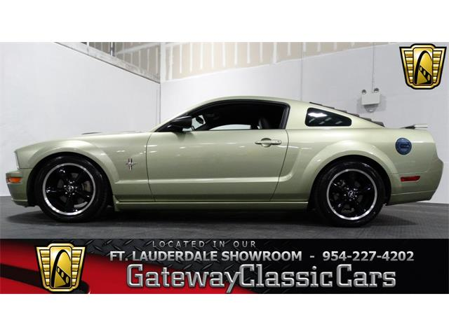 2006 Ford Mustang   951875