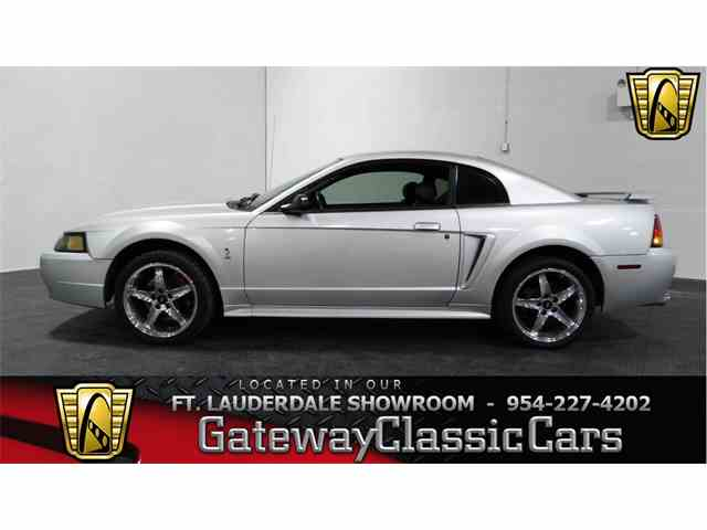 2001 Ford Mustang | 951876