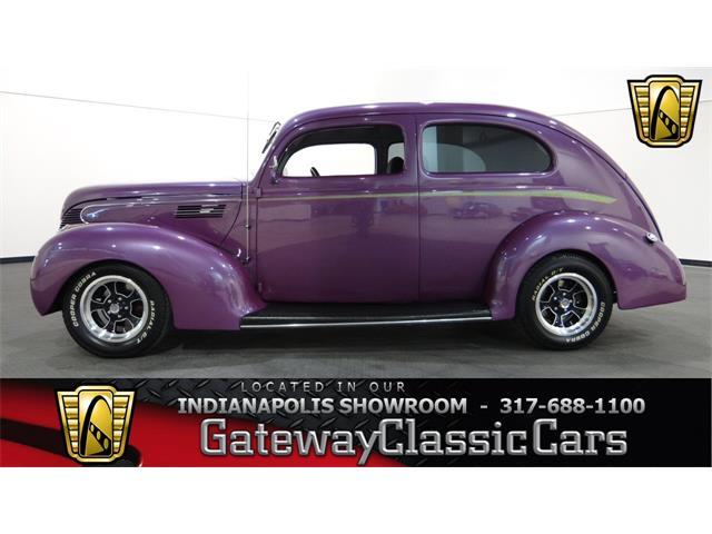 1939 Ford Sedan | 952009