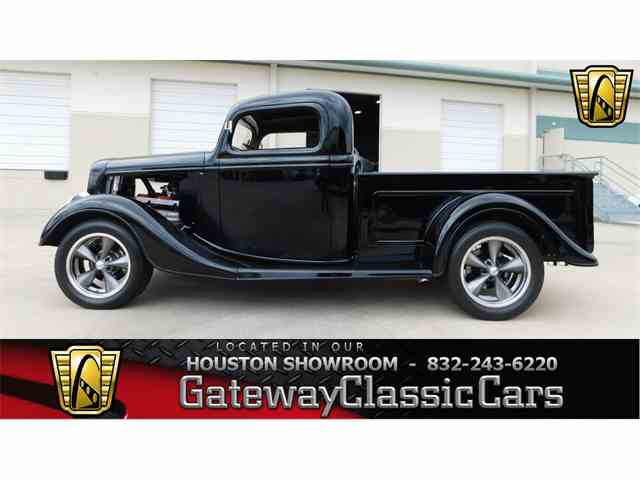 1937 Ford Pickup   952068