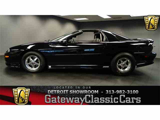 2002 Chevrolet Camaro | 952398