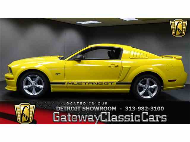 2005 Ford Mustang | 952465