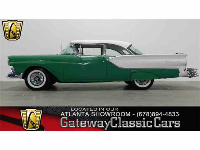 1957 Ford Fairlane | 952782