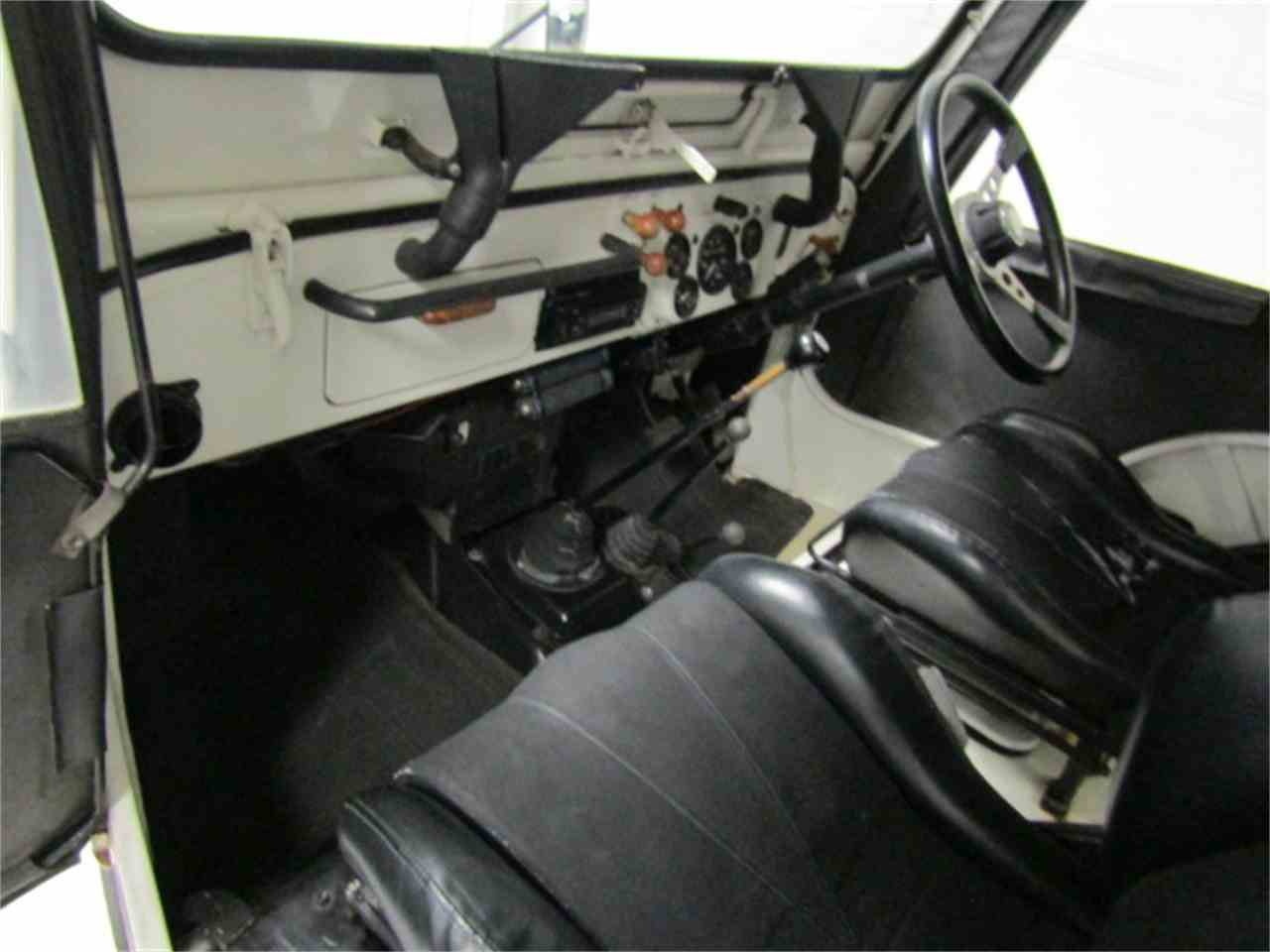 Large Picture of 1991 Jeep - $6,900.00 Offered by Duncan Imports & Classic Cars - KF6X