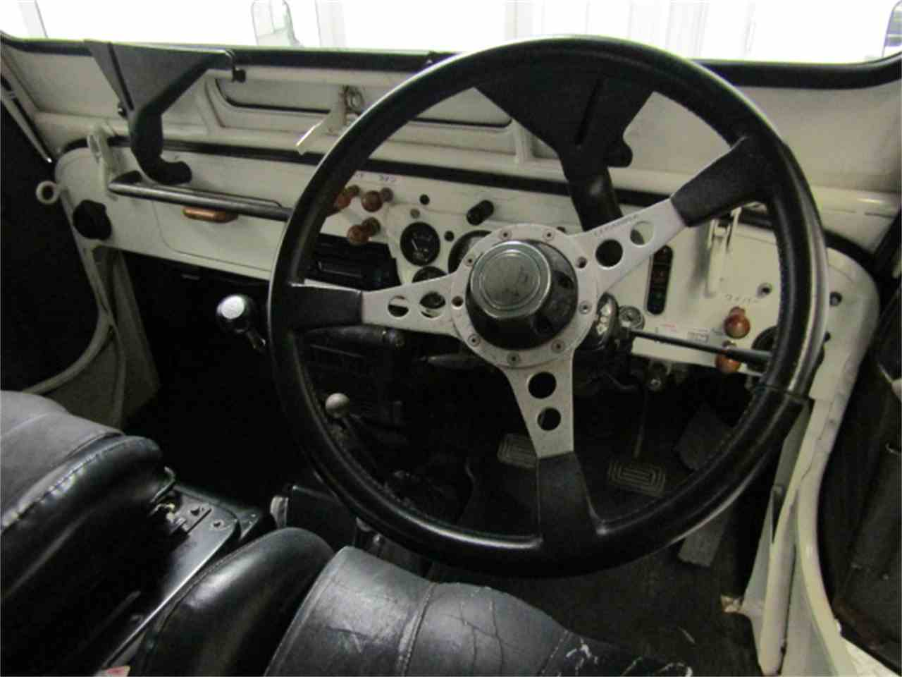 Large Picture of '91 Mitsubishi Jeep located in Christiansburg Virginia Offered by Duncan Imports & Classic Cars - KF6X