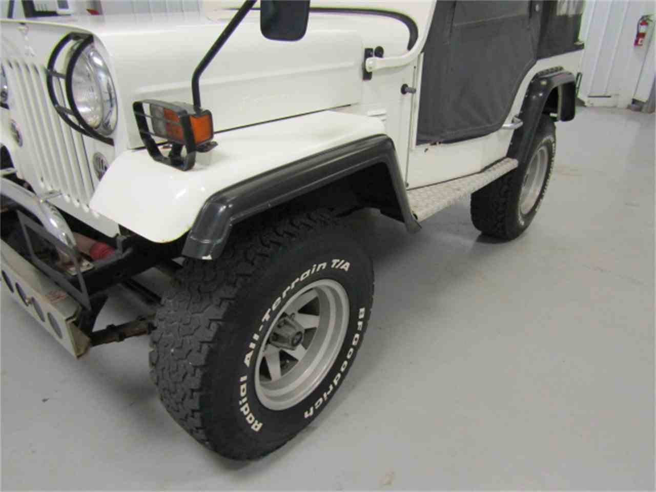 Large Picture of 1991 Mitsubishi Jeep located in Christiansburg Virginia - KF6X