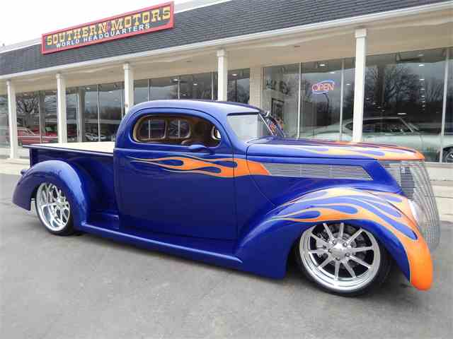1937 Ford Pickup   953232