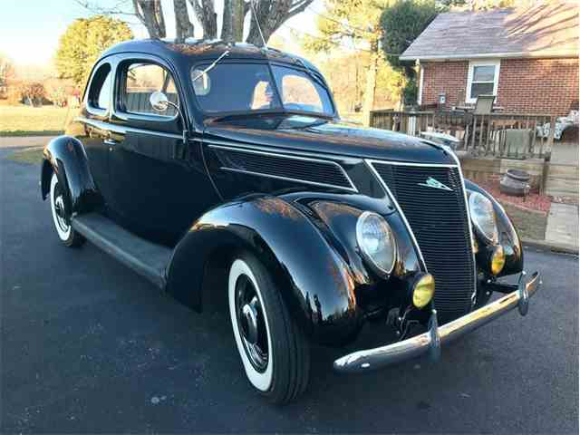 1937 Ford Coupe | 953431