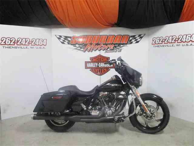 2013 Harley-Davidson® FLHX - Street Glide® | 953482