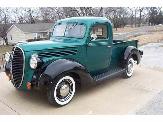 1939 Ford Deluxe | 954555