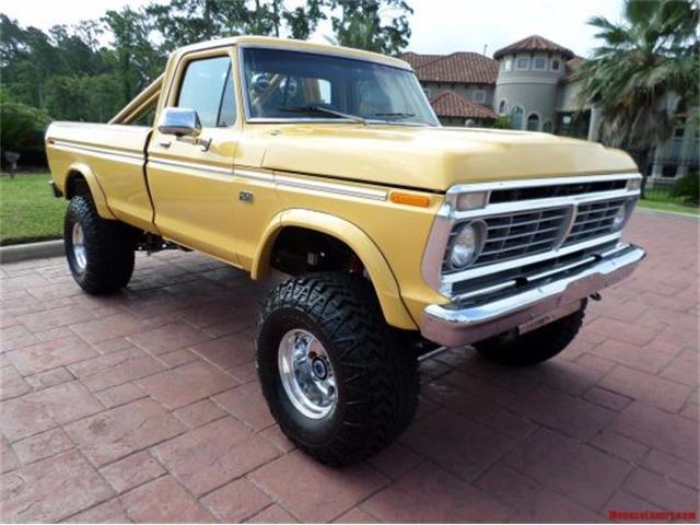 1974 Ford F250 Custom 4X4 Pickup | 954592