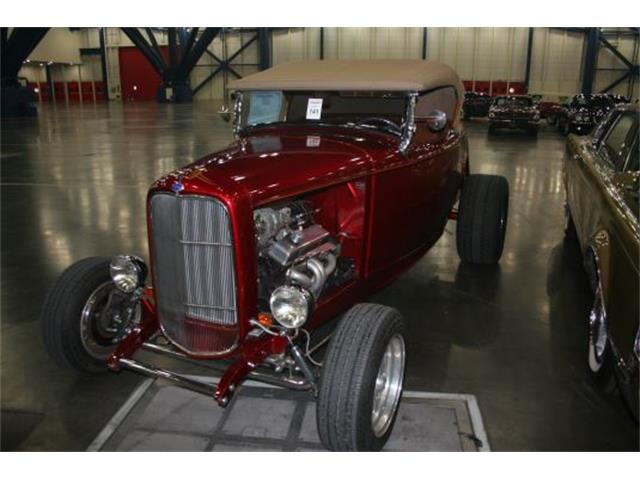1932 Ford Roadster | 954607