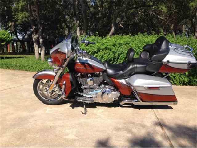 2014 Harley Davidson CVO Ultra Classic Motorcycle | 954684