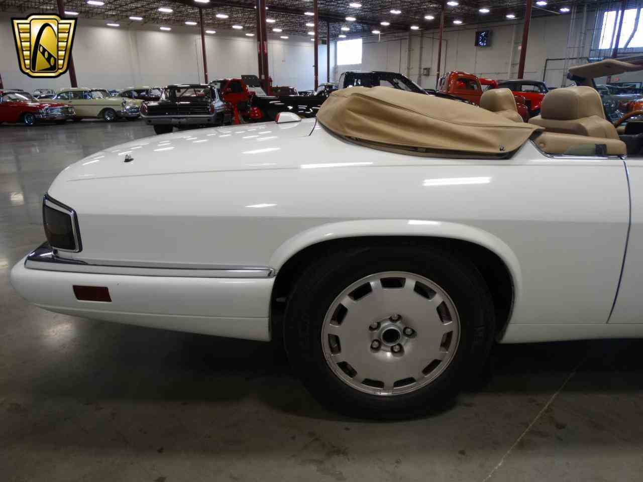 Large Picture of 1996 XJS located in La Vergne Tennessee - KGRY