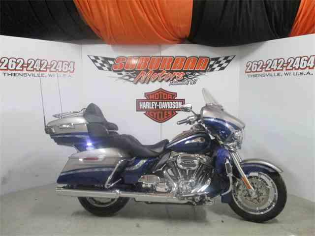 2016 Harley-Davidson® FLHTKSE - CVO™ Limited | 954950