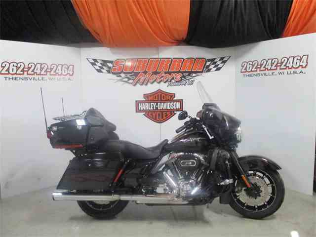 2010 Harley-Davidson® FLHTCUSE5 - CVO™ Ultra Classic® Electra Glide | 954951