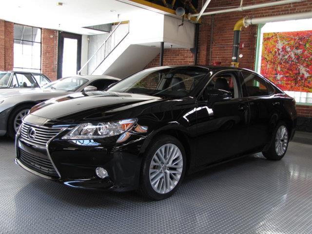 2013 Lexus ES350 | 950524