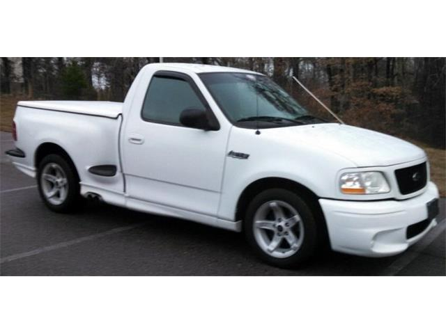 1999 Ford F150 SVT Lightning Pickup | 955254