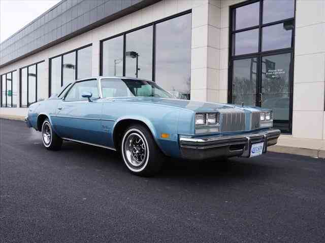 1977 Oldsmobile Cutlass Supreme | 955526